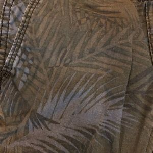 Old Navy Bottoms - Old Navy boys palm joggers
